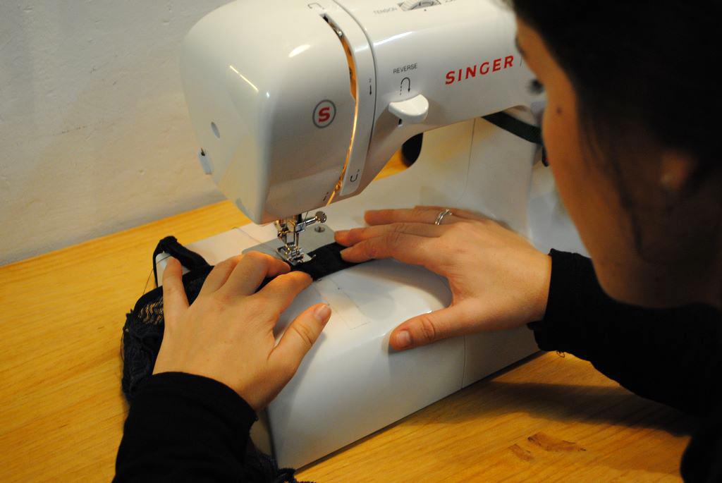 taller de costura Barcelona - máquina de coser