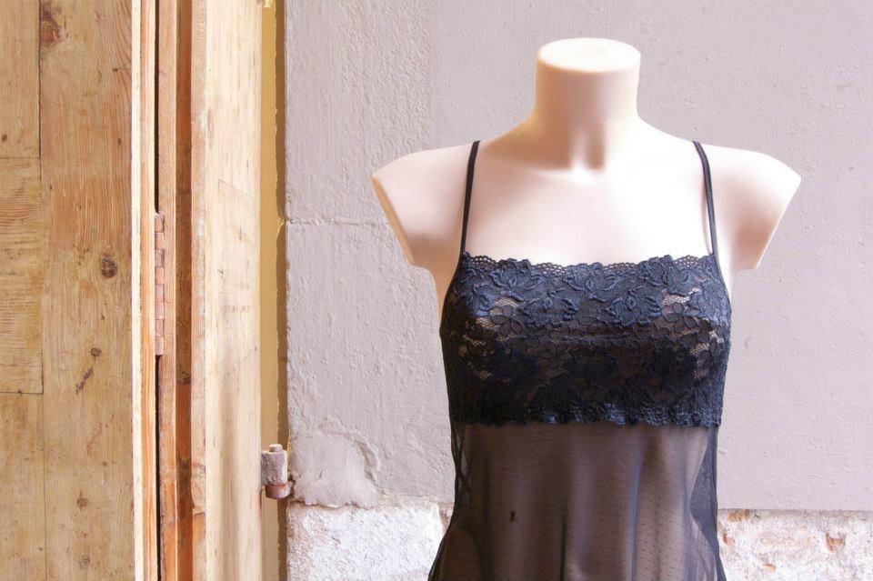 taller de lencería Barcelona, interior taller costura