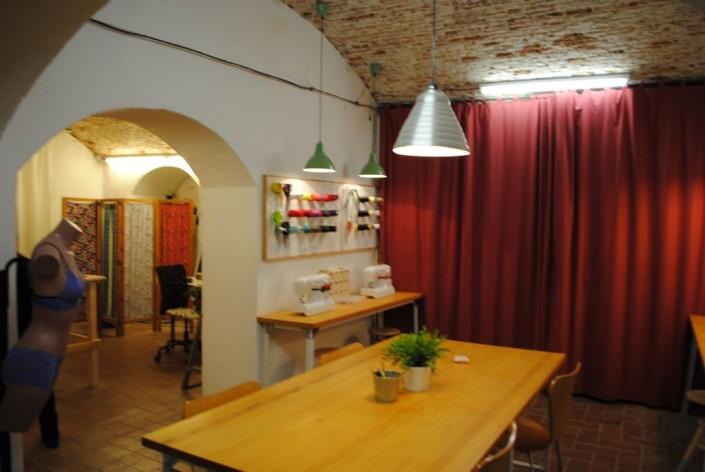 curso de costura Barcelona, mesa de trabajo